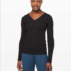 Lululemon Close Call Henley Black